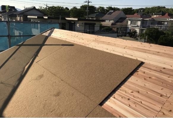野地板と屋根