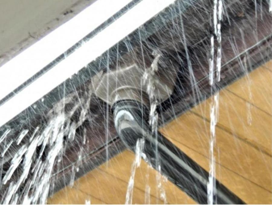 雨樋 水漏れ