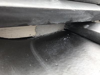 漆喰で穴の補修