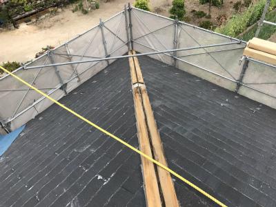 築20年経過する平屋のカラーベスト屋根のカバー工法による工事