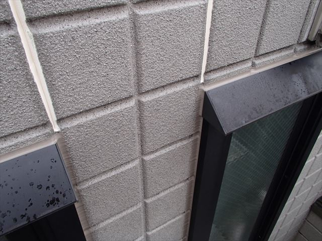 外壁コーキングの打ち替え写真