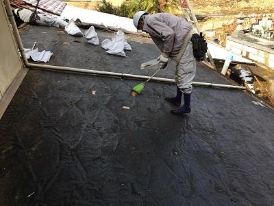 カラーベストの撤去後の屋根掃除